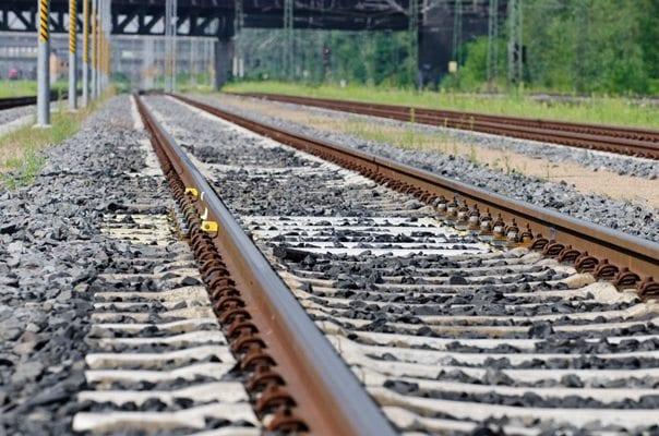 train scale install